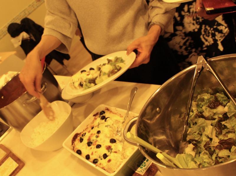 ビュッフェ形式で美味しいお料理が並びました