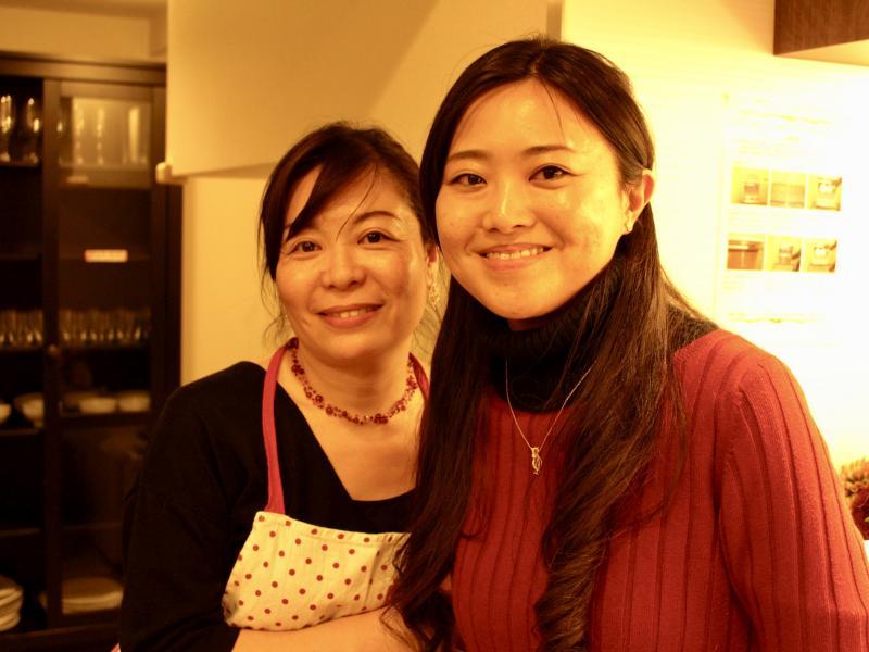 主催者の桐山さん(右)と栗山さん(左)