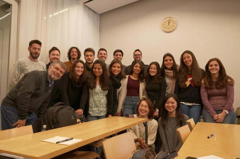 ポルトガルで学ぶ学生さん、中にはポルトガル以外の国の人も