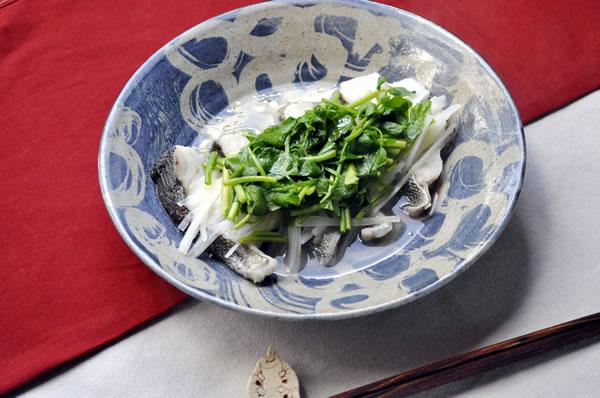 鱈とセリの蒸し物