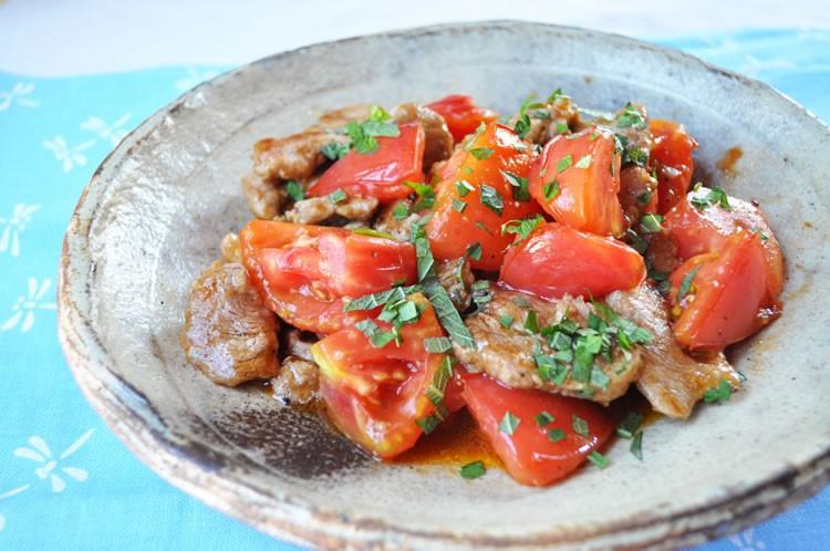 豚ヒレ肉とトマトの炒め物
