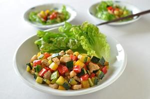 ころころ野菜と豚肉のレタス巻き