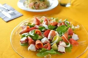 タバスコ・レモンのシーフードサラダ