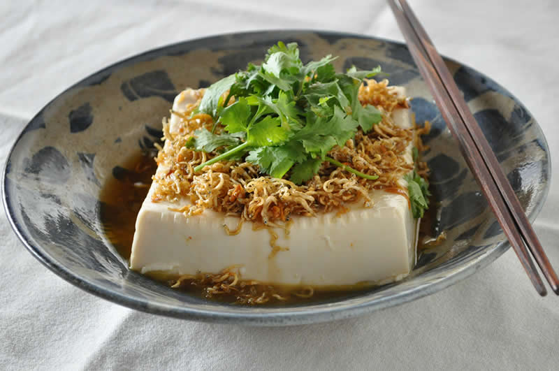 カリカリじゃこのエスニック豆腐