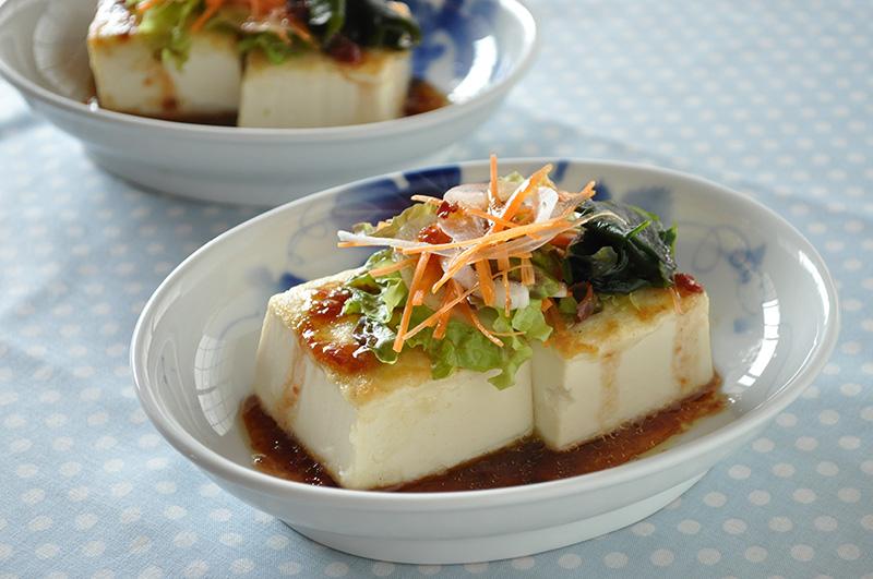 豆腐ステーキの梅ドレサラダ