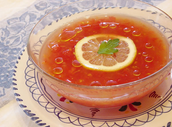 夏真っ盛り 完熟トマトのスープ