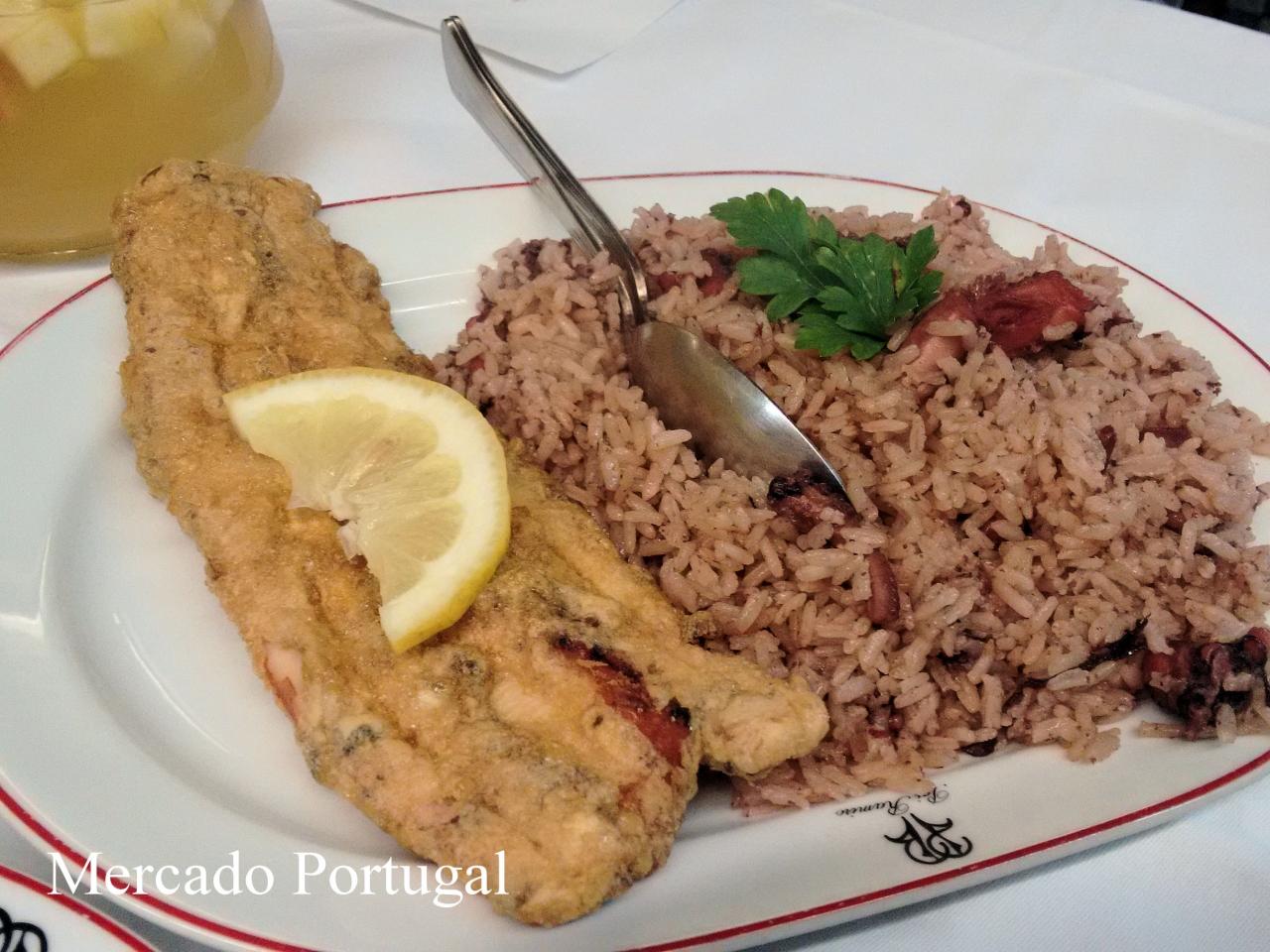 こちらは日本人の口コミ評価が高いポルトのレストラン、カーザ・アレイショ(Restaurante Casa Aleixo)の看板メニュー。柔らかいタコ天ぷらと一緒に。