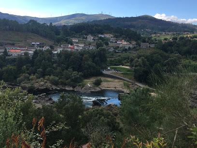 畑からの景色。川の向こうはスペインです!