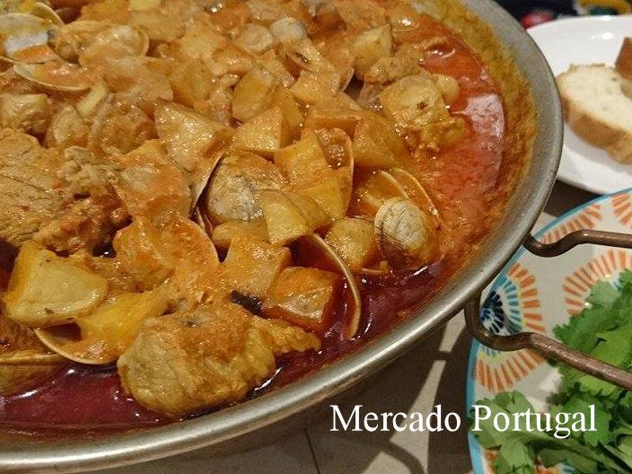 カタプラーナ鍋はお肉も柔らかくしちゃいます。(イベロアメリカーナ Cafe y Bar IberoAmericanaさんポルトガルイベントにて)