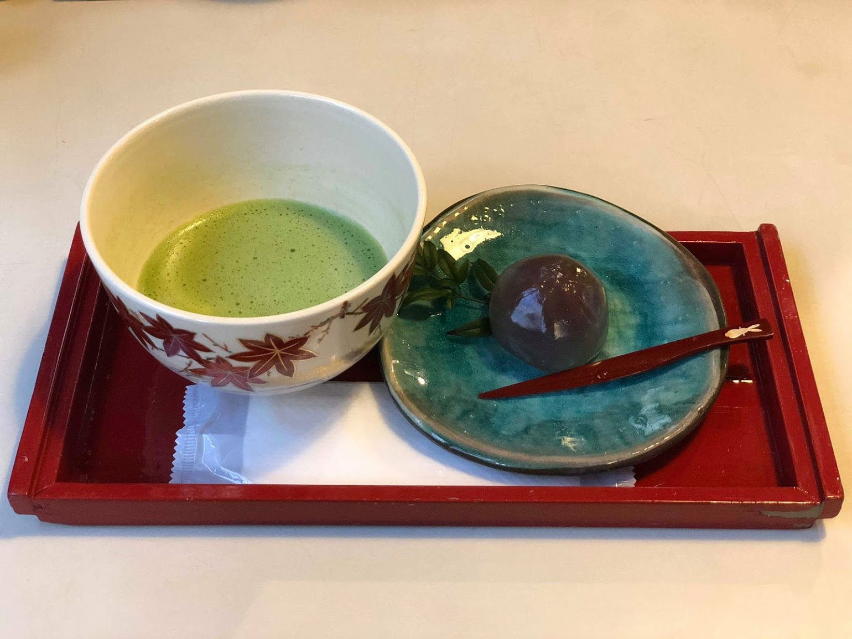 抹茶が大好きなようで、抹茶ラテや抹茶アイスだけではなく本物の抹茶も楽しんでいました