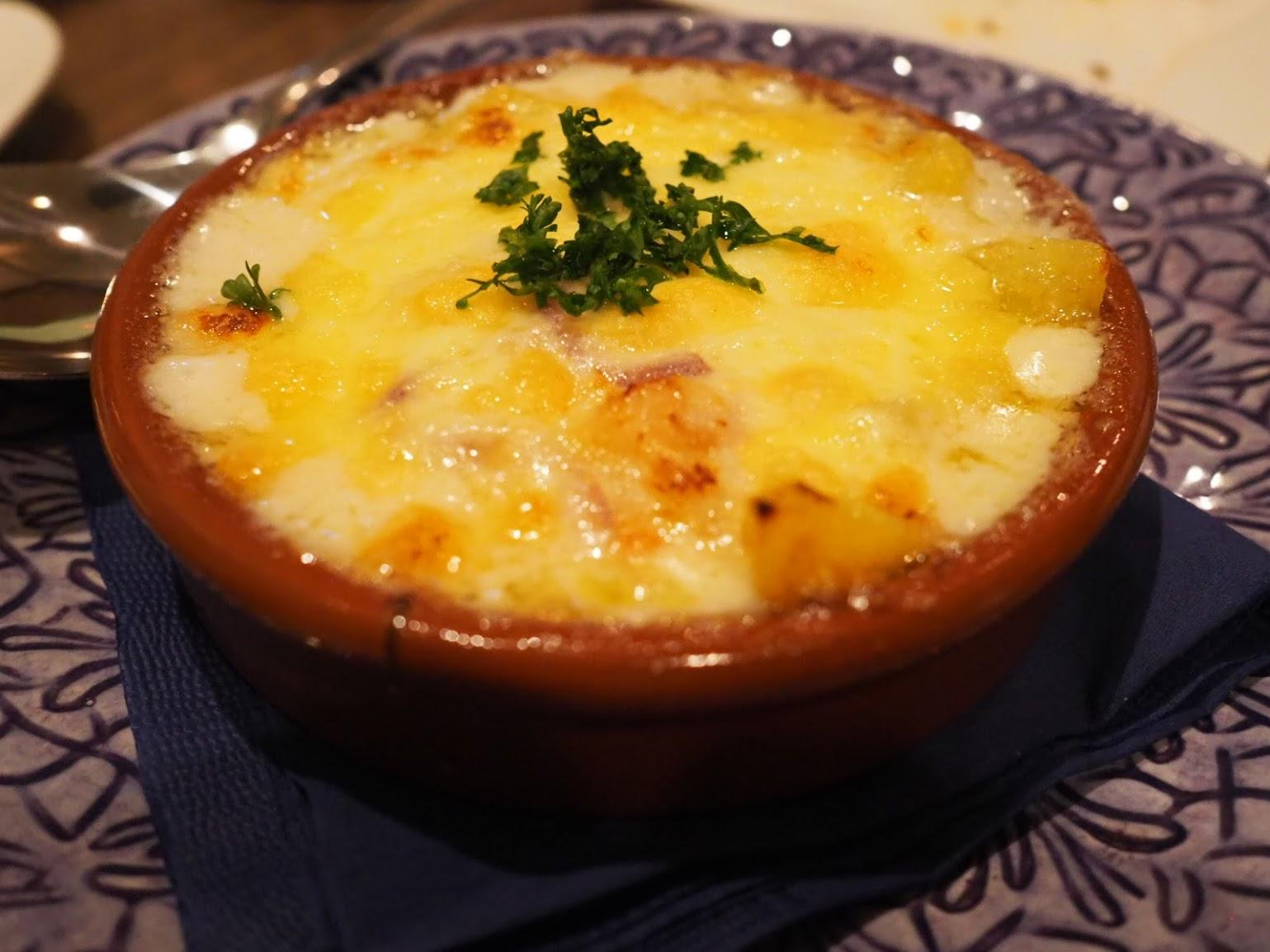 ポルトガル人もみんな大好きなメニュー、バカリャオ(干しダラ)のグラタン