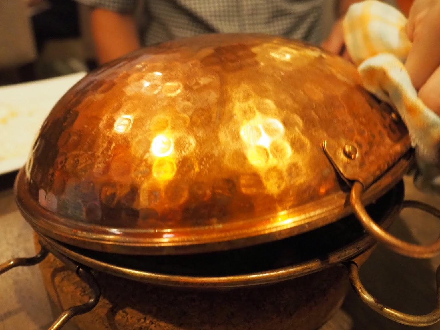 そして最後は魚介のカタプラーナ!テーブルの上で開けてみると。。。