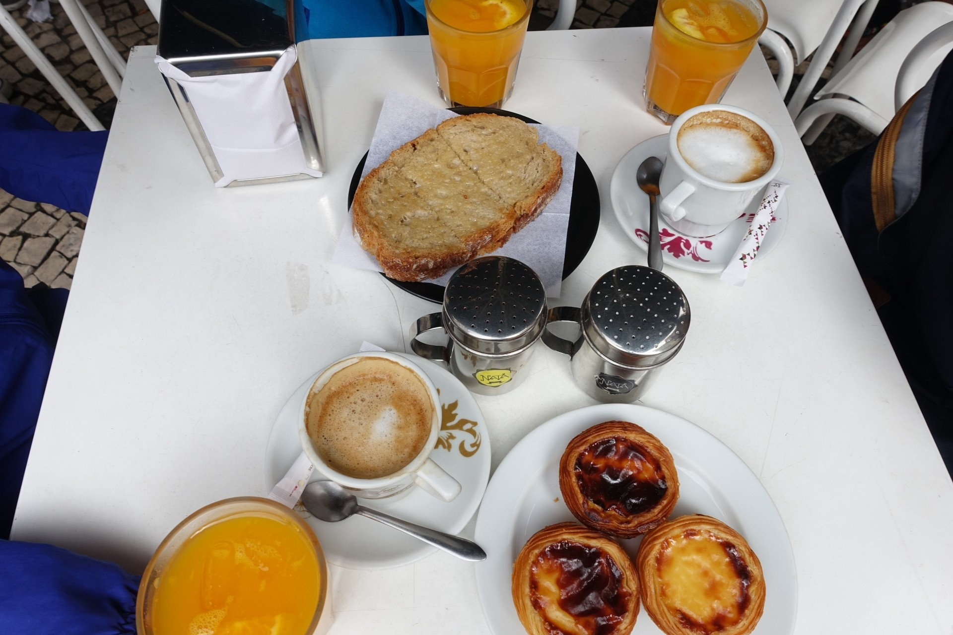 ポルトガルの朝ごはん風景(当日のメニューとは異なります)